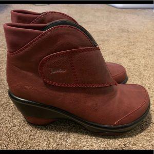 Jambu Red Esmeralda Boot